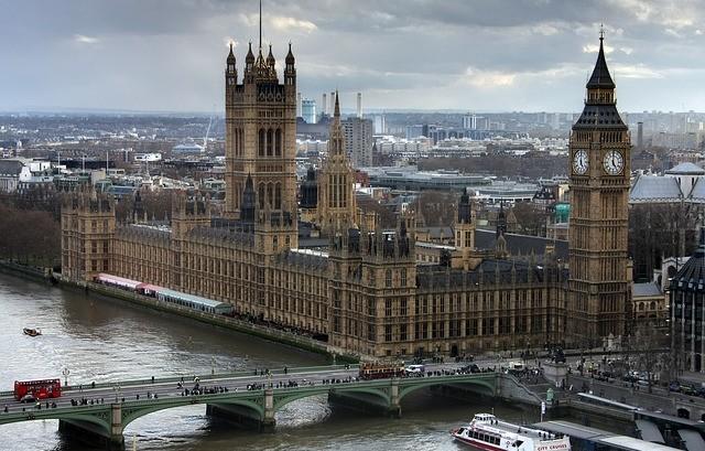 Disoccupati stranieri, da Londra giro di vite sugli immigrati